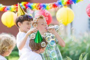 Tips on how to choose the best entertainers for kids parties